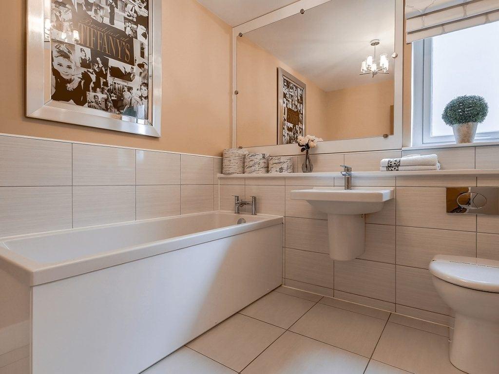 Castlefleurie-Wemyss-Bathroom2