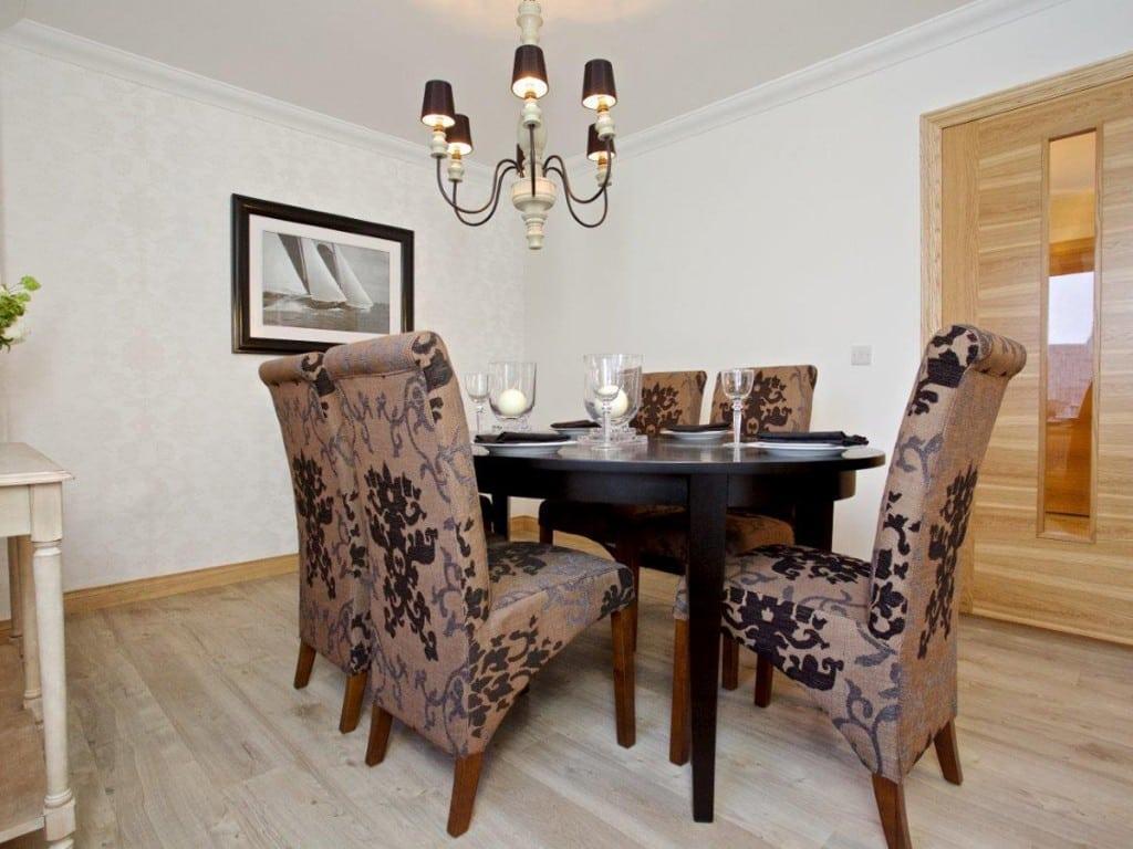 Castleton_Lounge_2