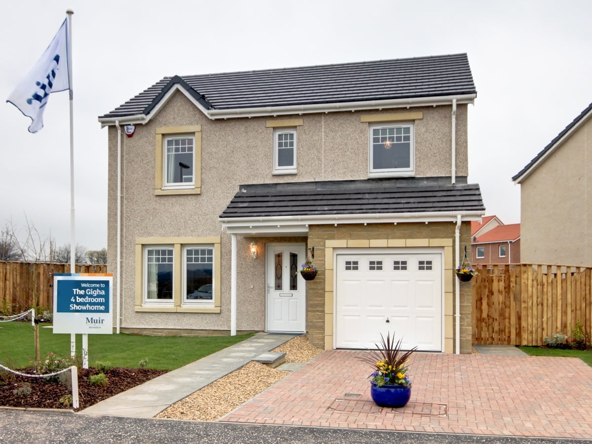 4-bed detached home in Leven